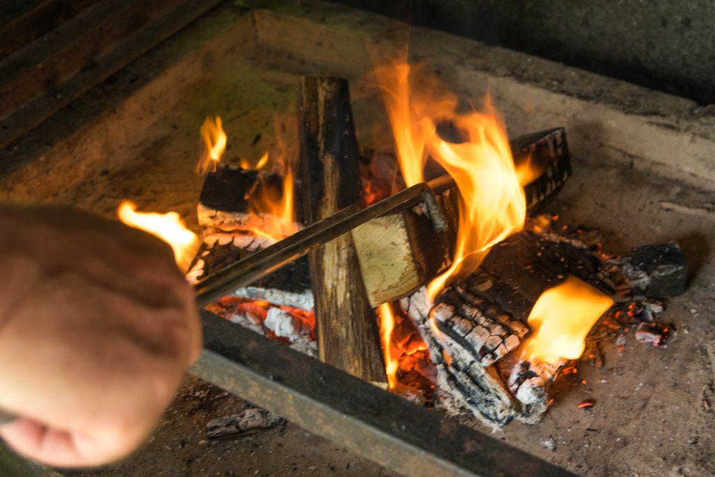 ogenj za žar
